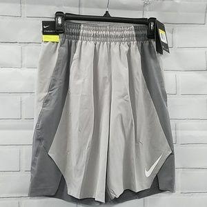 NWT Nike Standard Fit Bsktbll Shorts Mens S C4A